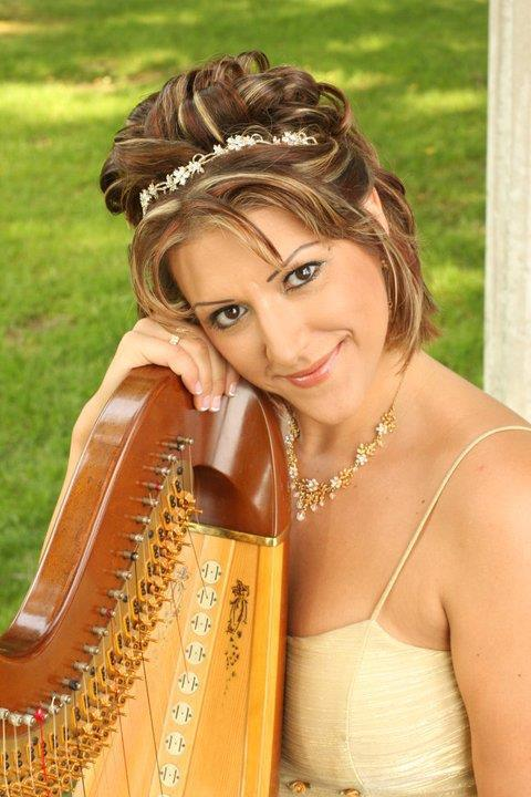 Alyssa Michalsky Is A Professional Harpist Currently Residing In Dundas Ontario Canada And Performing In Toronto And Throughout South Eastern Ontario